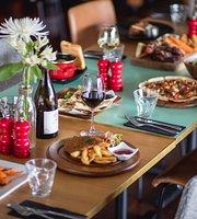 Wild Thyme Bar & Restaurant