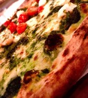 Luigi's Hot Pizza Bali