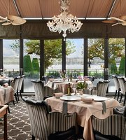Windows Restaurant at Hotel d'Angleterre