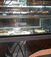 Monkeys Café