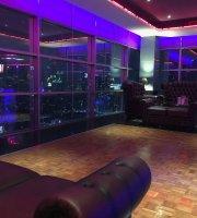 The 8 Pub & Lounge