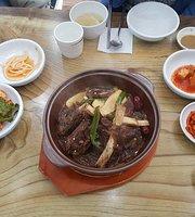 Cheongdam Noodles
