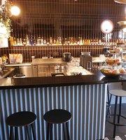 Moana Cafebar