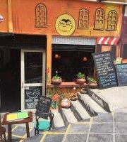 Higher Ground Cafe, Wine Bar
