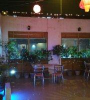 Cheela Cafe