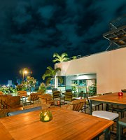 Amigo Restaurant & Sky Bar