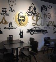 Louis' Burger Bar