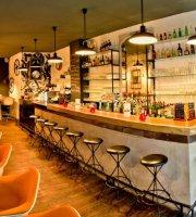 Bellerose Bar & Diner