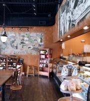 Dioli's Italian Market & Bakery