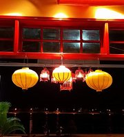 Red Peppers Restaurant Bar Cafe & Homestay