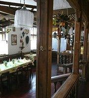 Saloon Restaurant Kapustik