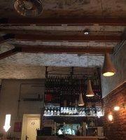 Taperia W Bar de Vinos