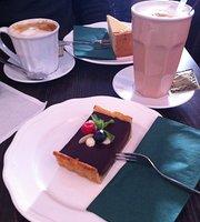 Nada's Cafébar