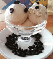Mocca Ice Cream And Coffee