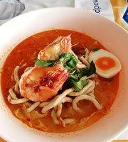 Tom Yam Khai Noodle by P'Na