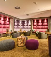 Rudas Restaurant & Bar