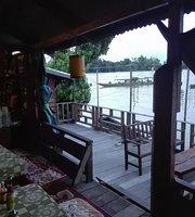 4000 Island Bar