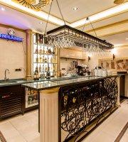 Caesar Restaurant & Bar