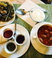 HAFTA Cafe & Bistro