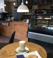Café Wafflee