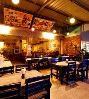 Seabox Restaurant & Bar - Seabox Hostel