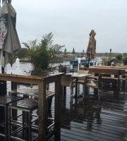 Pelican Waters Tavern