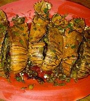 Aneka Seafood Kelong
