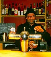Oustau Grigt Cafe et La Maison du Grillon