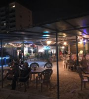 Jimmy Dee's Paradise Beach Resort-Bar