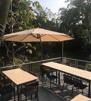 Blue Moon Bar & Restaurant