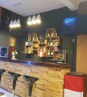 Plaza 106 Food & Drinks