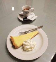 Ade Cafe