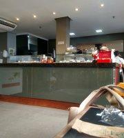 Cafe Hum
