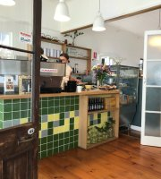 Saint Laura Cafe