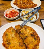 Mr. Park's Mung-Bean Pancake