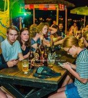 Paradiso Sports Bar & Grill