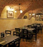 Hisa Pod Gradom restaurant