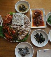 Pulbburi Black Tofu Restaurant