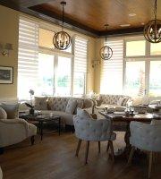 The Hamptons Cafe JI