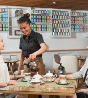 Al Falaj Hotel  -  Stassen Tea Lounge