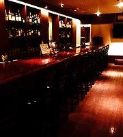 Cafe & Bar Refrain