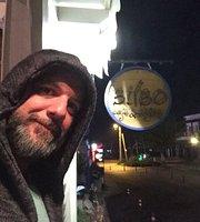 Bilbo Cafe & Bistro
