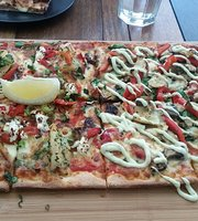 Crust Pizza Coolangatta