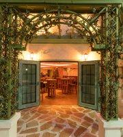 Cafe de La Musique Dining Club