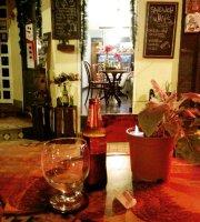 La Anticuaria Café