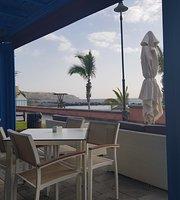 Bluebloos beach bar