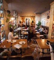 Ola Healthy Cafe