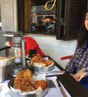 Jaxson's Chicken & Waffles