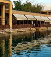 Lake Side Restaurant - Azhar Park