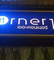 Corner 112